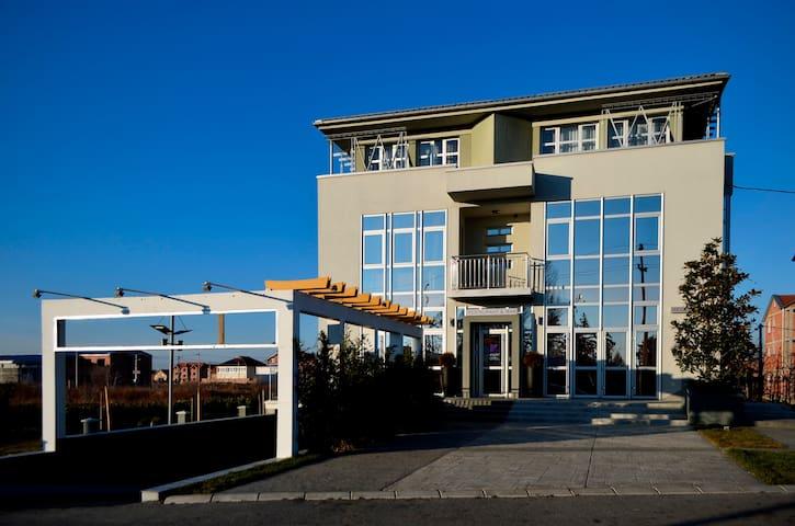 Apart Hotel K Studio with Balcony - เบลเกรด - ที่พักพร้อมอาหารเช้า