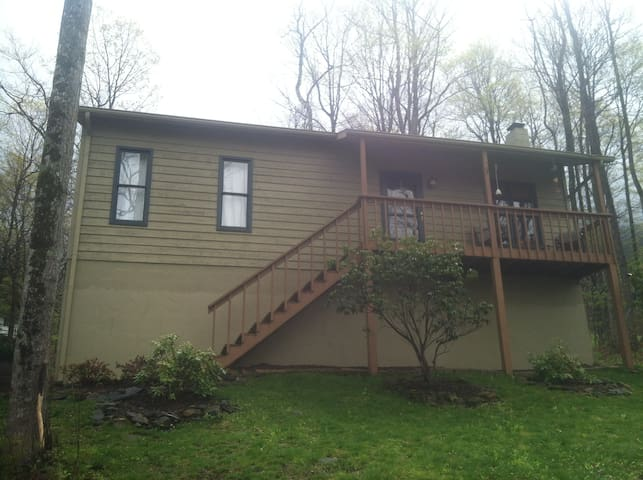 Tranquil Setting and Great Location - Zionville
