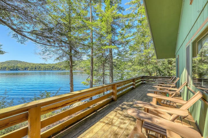 New listing! Dog-friendly, lakefront house w/sandy beach, dock, private location