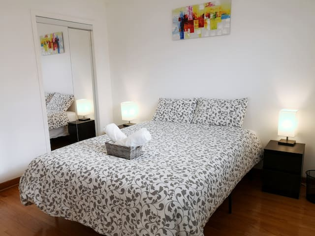 Spacious Private Room in Toronto North York #3