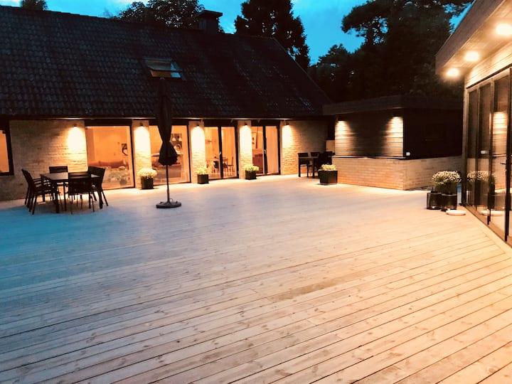 Newly renovated villa close to beautiful beaches