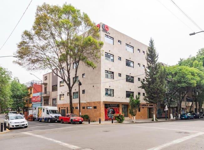 Centro de la Ciudad con Desayuno Incluido