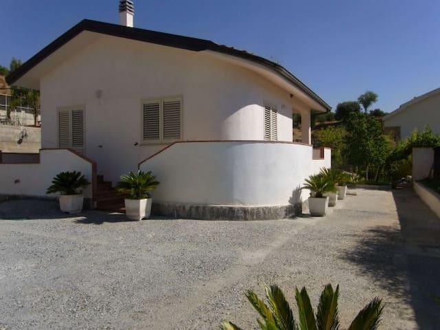 Casa + dependance - Condofuri Marina - Hus