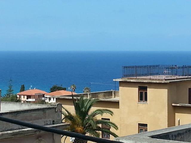 Appartamento nel cuore della costa degli Dei. - Parghelia - Maison