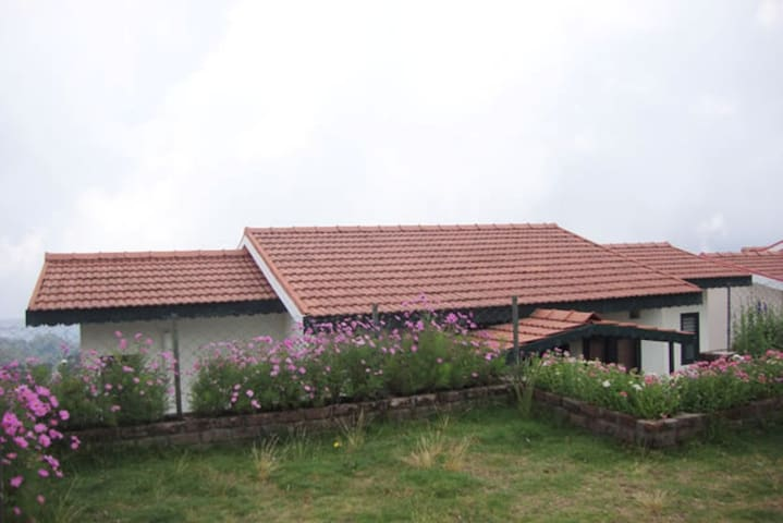 Luxury Double Bed room Cottage - Kodaikanal - Byt