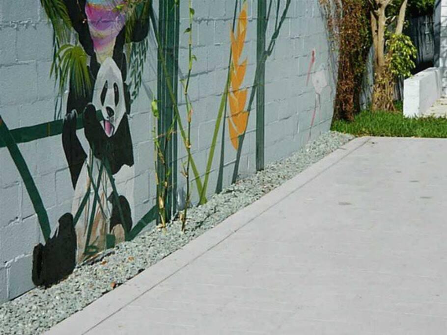 Wynwood Mural along driveway