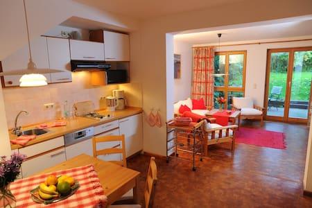 gemütliche Wohnung + großer Garten - Klütz