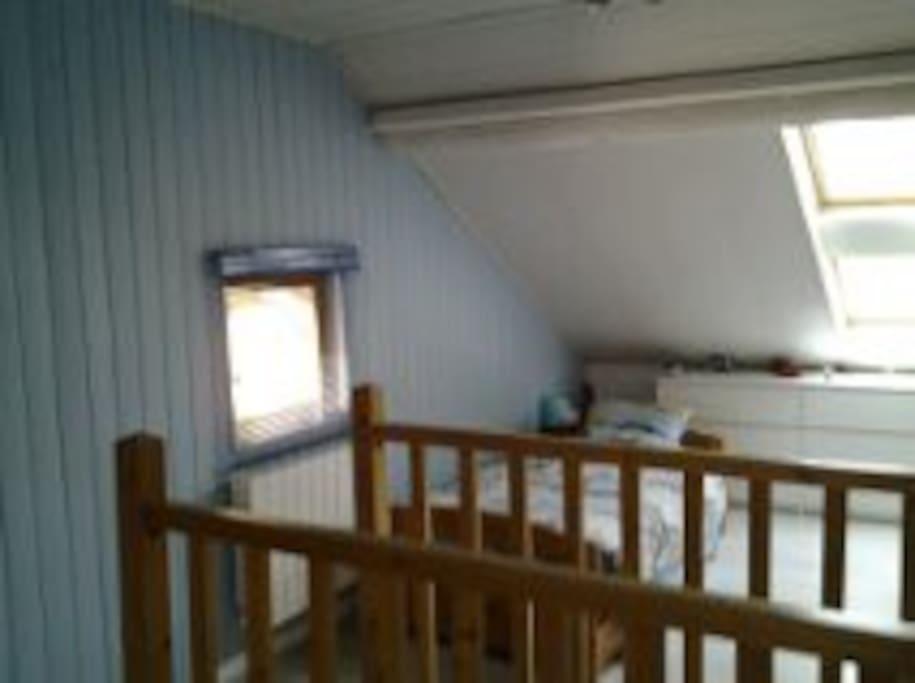 combles am nag es 50 m2 bed breakfasts for rent in annemasse rh ne alpes france. Black Bedroom Furniture Sets. Home Design Ideas