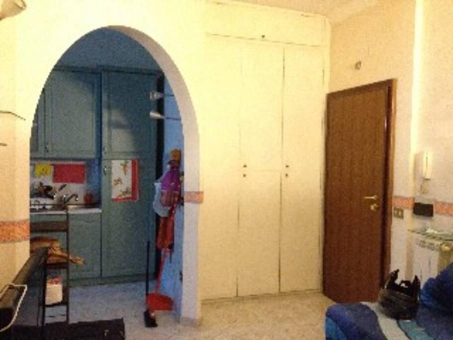 All'ingresso è presente un armadio a muro molto utile!