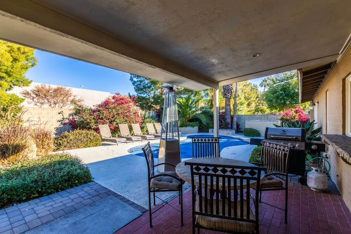 L-Scottsdale 11 Bed-Sleep 20 Estate ❤️ Minutes to Major Events-Best Dining, Golf & Shopping Area.