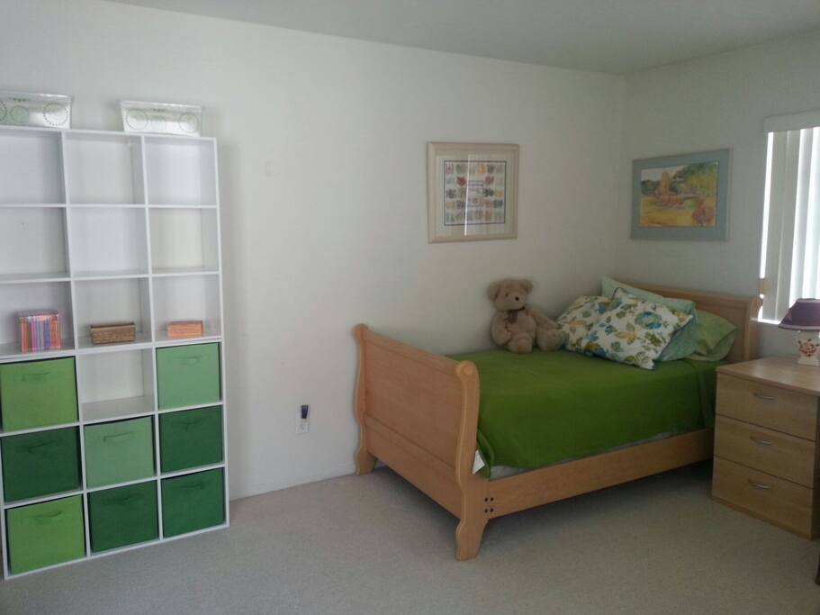 Lots of storage space for your personal belongings.