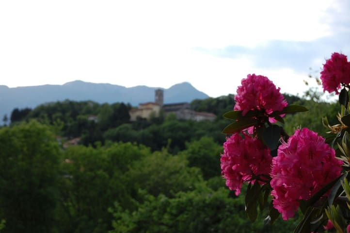 Romantische Italiaanse villa - Brezzo di Bedero - Villa