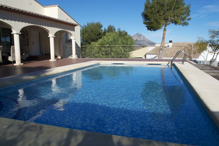Stunning, modern villa with private pool. - Xàbia