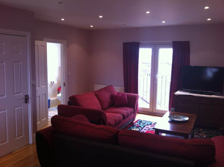 Bright and Spacious Loft Studio