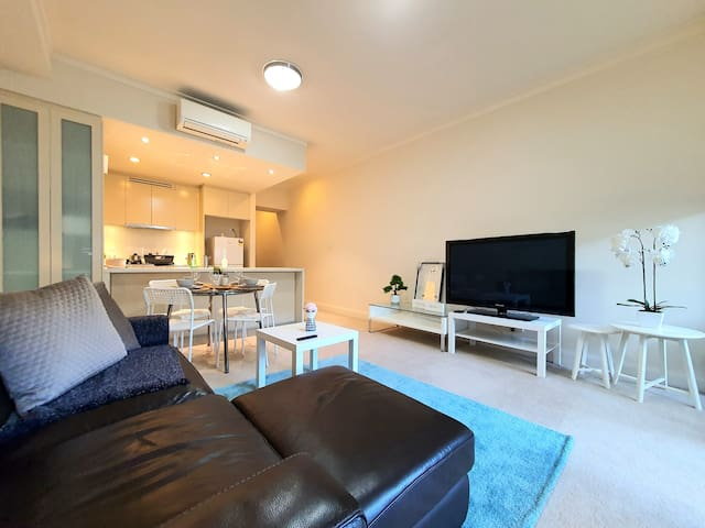 NEW! Modern Waterside Apartment, Great Location!