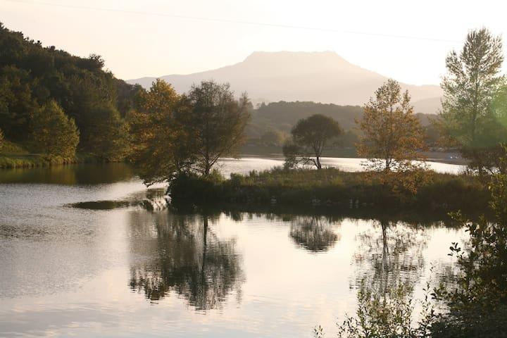 T2 avec terrasse au coeur du lac