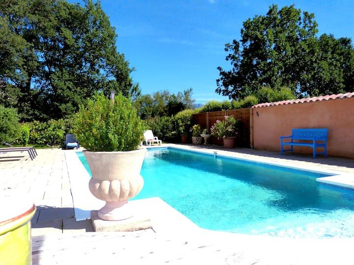 Belle Villa entre  Sainte Victoire et Mt Aurélien