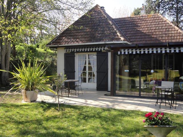 maison trés calme 150 m de la plage - Merville-Franceville-Plage - House