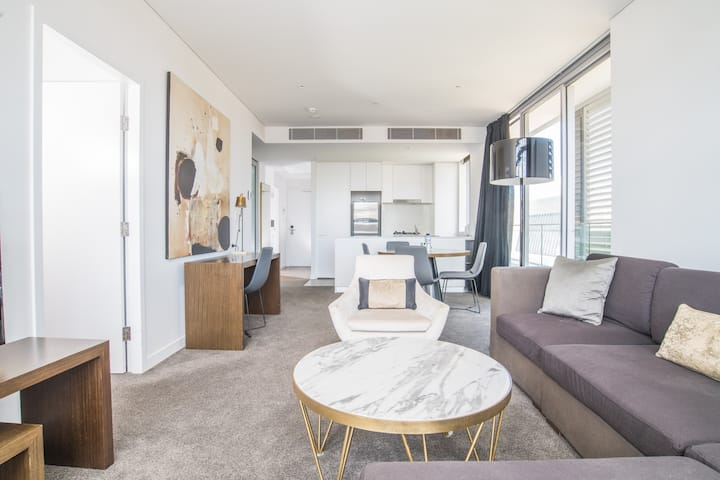2bed apartment! Modern home for 4 at Chatswood
