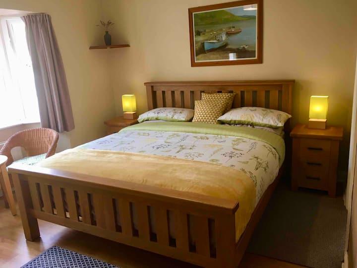 Rugged Glen Accomodation (1) Superkingsize Bed