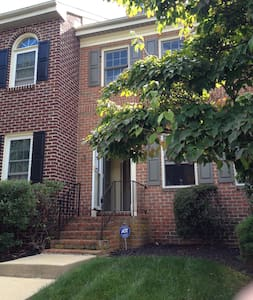 Quiet 3BD Townhome for Papal Visit - Royersford