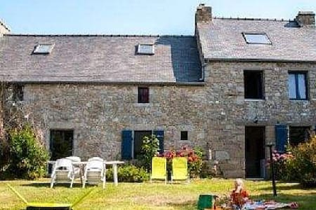 Maison ancienne bord de mer 12 lits - Brignogan-Plage - House