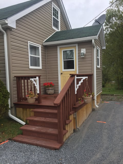 Beautiful Renovated Home Fundy Bay