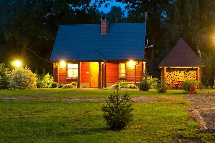 Gajówka Sajczyce - Mały domek myśliwski
