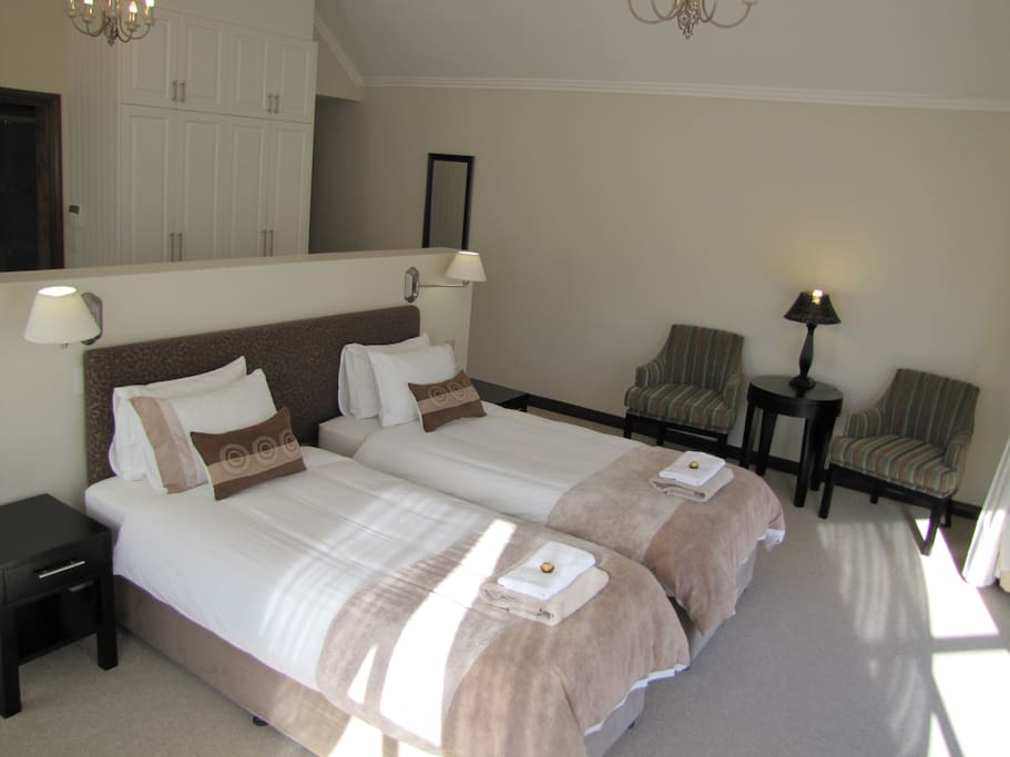 Main bedroom, single or kingsize on request