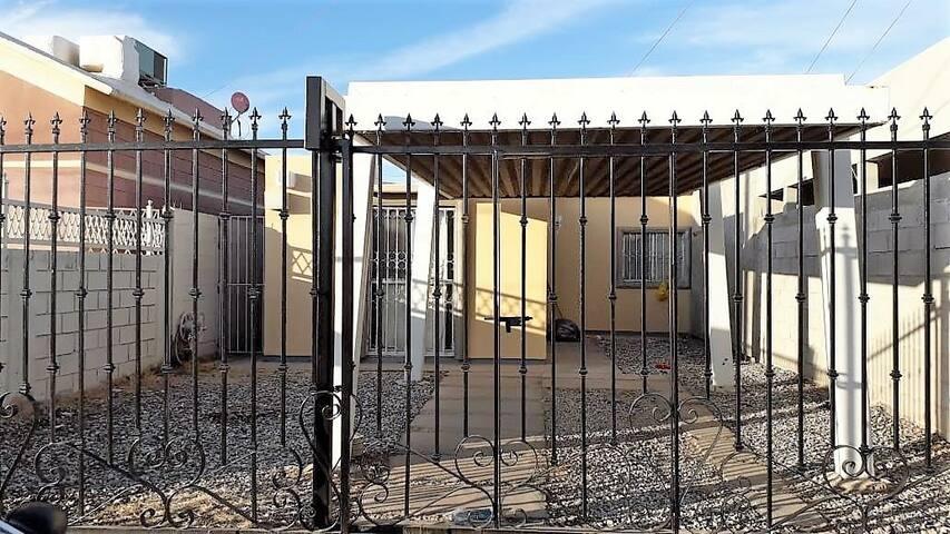 Casa Cómoda Cerca de Garita con EUA- BEST LOCATION