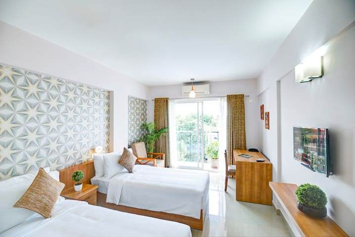 Standard Double / Twin Room with Balcony in Kochi