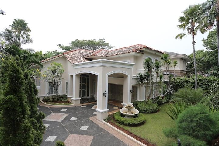The Luxury House in Lippo Karawaci