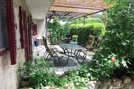 Child-friendly house on a small park with pool - Bonvicino