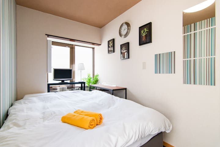 Shinjuku Simple Private Double Bedroom/Free WiFi