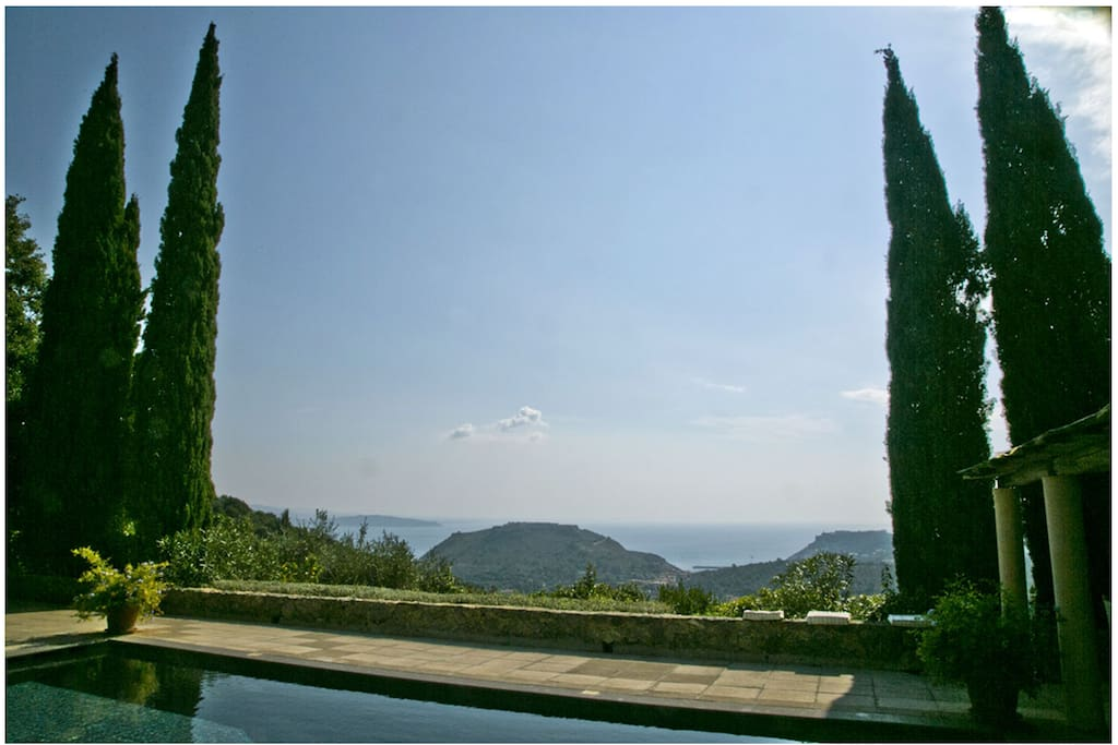 The house has a panoramic 300 degrees view in Porto Ercole and the sea. Pool has one of the best view in the area