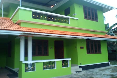 Entire Floor in the Heart of Trichur - Thrissur - House