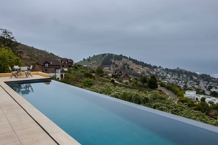 Casa con incomparable vista al mar en Zapallar