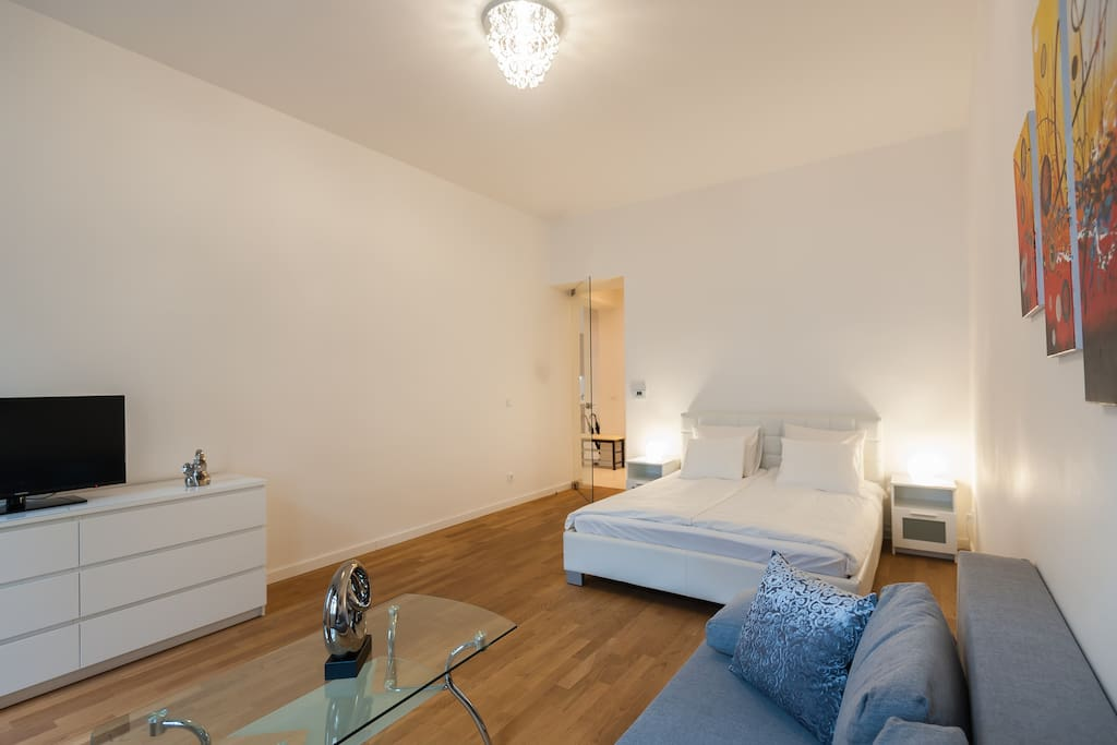Designer modern 2bdr apartment 60m2 apartments for rent for Designer apartment prague