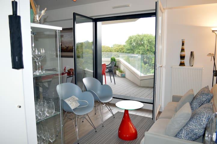 Luxury 2p Paris/Issy-les-Moulineaux, with terrace