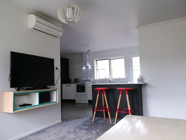 Sparkling Renovated Unit