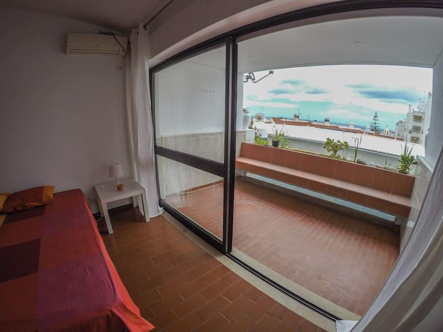 Studio + balconny