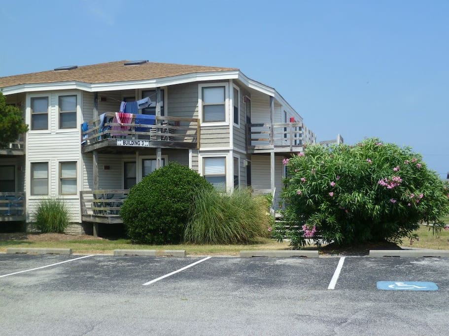 Outer Banks Condo Mp 10 2 Pools Walk To Beach Condominiums For Rent In Kill Devil Hills