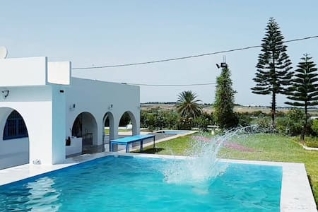 Very charming country house with a swimming pool
