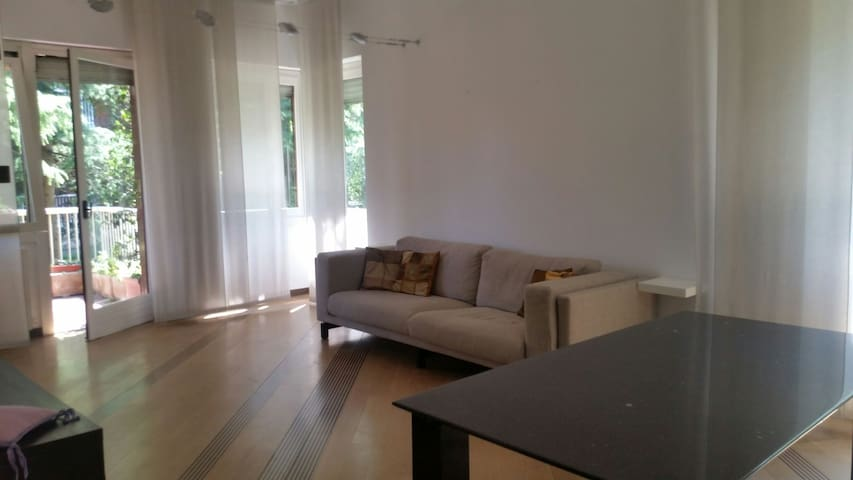 Big apartment close to Milan - Cassina De' Pecchi - Departamento