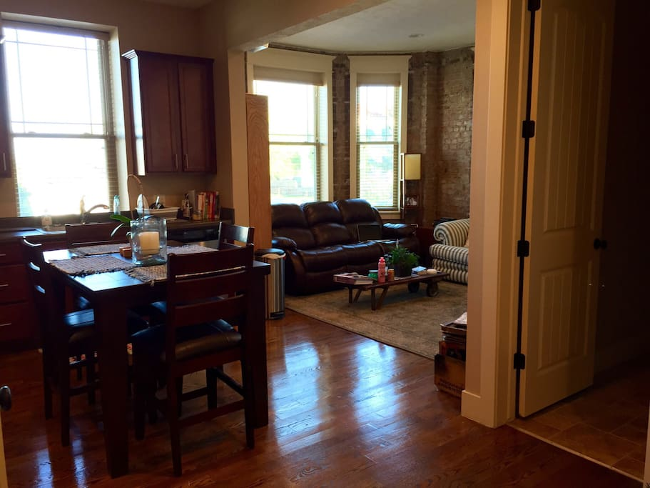 Mid Town 2 Bedroom Apartment Apartments For Rent In Omaha Nebraska United States