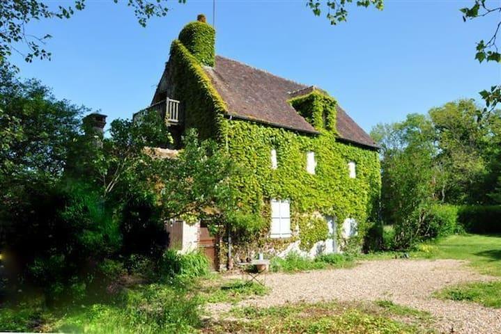 Maison de Campagne XVIII ème siècle - TARDAIS - Casa