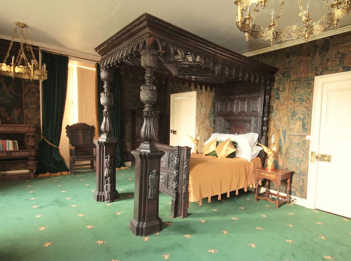 STATE BEDROOM - APPLEBY CASTLE