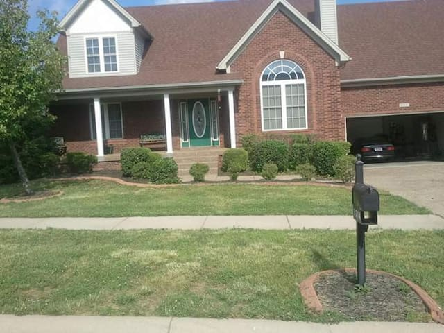 the derby 141 weekend get away home houses for rent in louisville kentucky united states