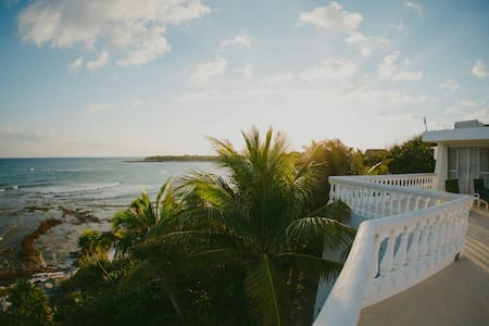 Beautiful Beach House/ Yoga Retreat - Villa