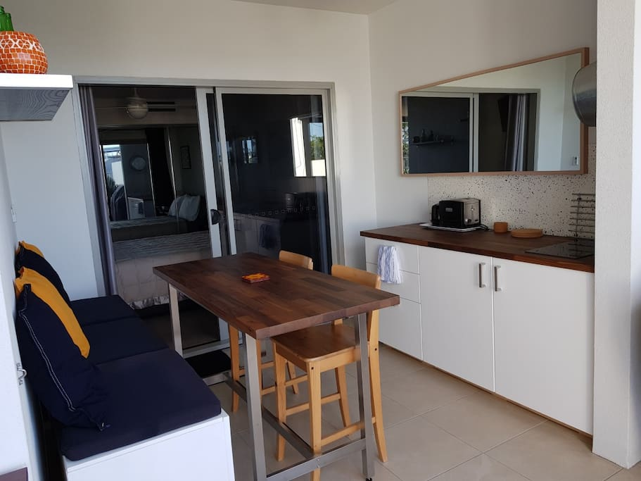 Own kitchenette and dining area on deck